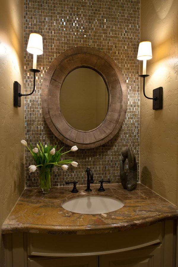 декор зеркалом в ванной