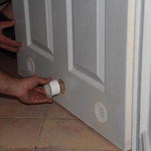 дверь с вентиляцией